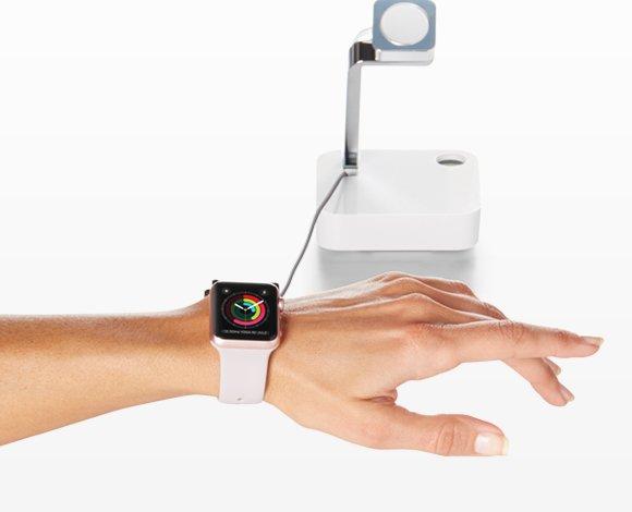 De W1000 stelt klanten in staat om horloges en wearables vlot uit te proberen